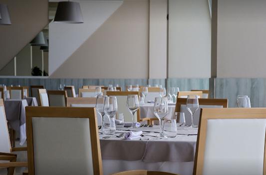 Hotel Grand luxor Benidorm-instalaciones 2-sillas para hosteleria